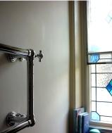 TH_bathroom wall