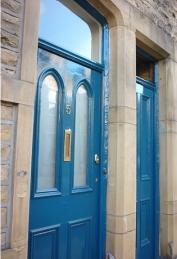 TH_front door