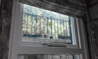 Cottage_window5